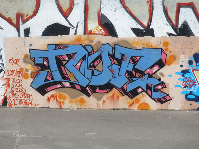 Dloe Mississauga graffiti picture