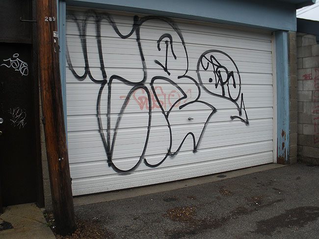 Cream graffiti writer