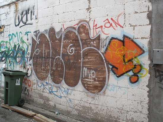 Dloe graffiti picture 2