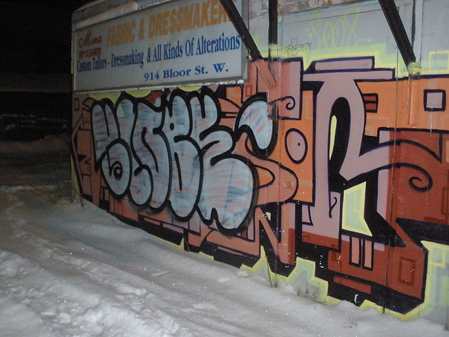 Globe graffiti picture 60